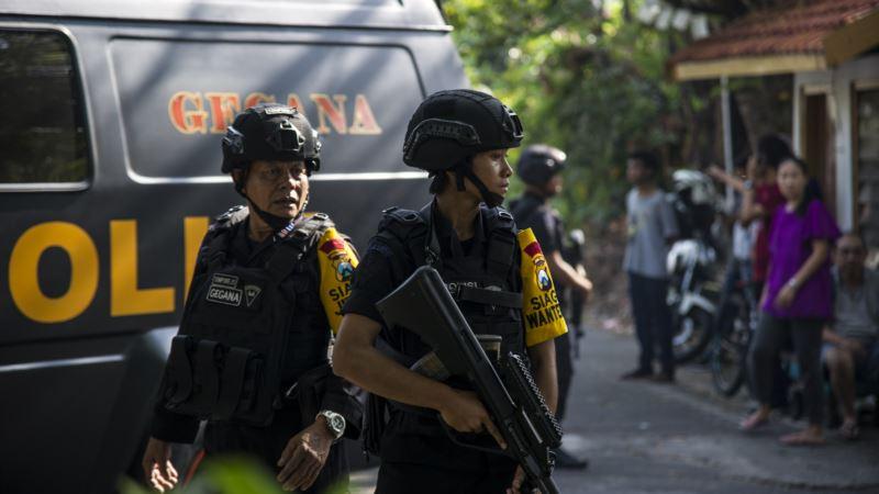 Индонезия: на церкви напали члены одной семьи, среди них двое детей