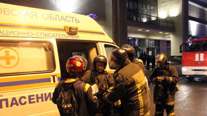 Россия: за ночь в двух торговых центрах Ноябрьска произошли крупные пожары