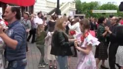 В центре Севастополя читали стихи, танцевали и слушали песни времен Второй мировой войны (+ видео)