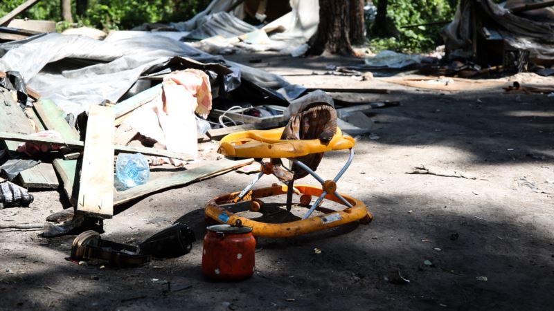 Во Львове напали на лагерь ромов: 1 человек погиб, 4 получили  ранения – полиция