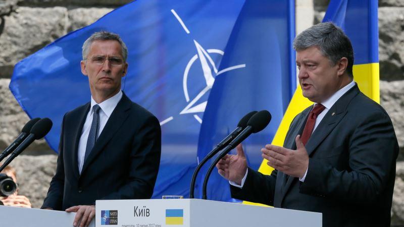 Порошенко и Столтенберг обсудили участие Украины в саммите НАТО в июле