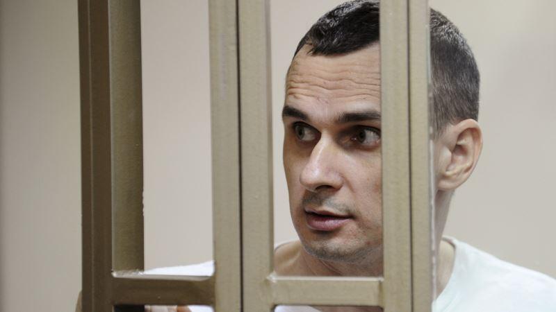 Сестра Сенцова: «Олегу вливают литр глюкозы каждый день»