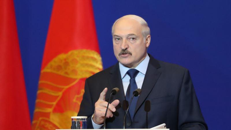 В Беларуси приняли закон, ужесточающий контроль над СМИ и интернетом