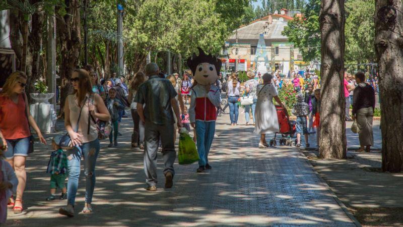 Симферополю – 234. Как отмечает день рождения крымская столица (фотогалерея)