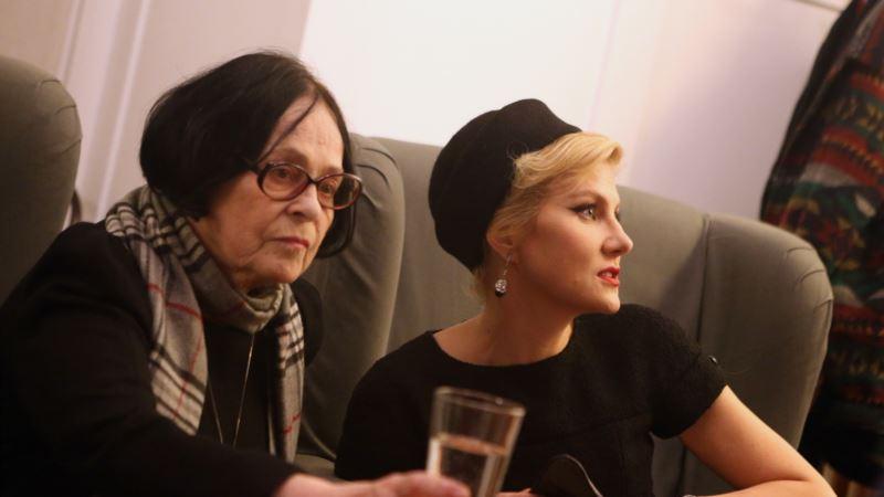 Рената Литвинова отправится в Украину на похороны Киры Муратовой
