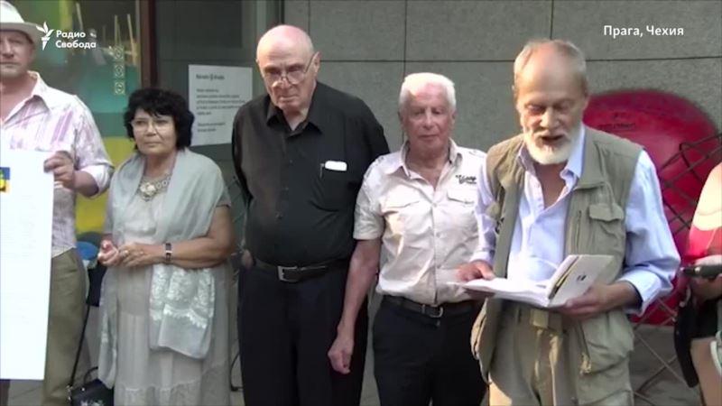 В Праге организовали сбор подписей за освобождение Сенцова (видео)