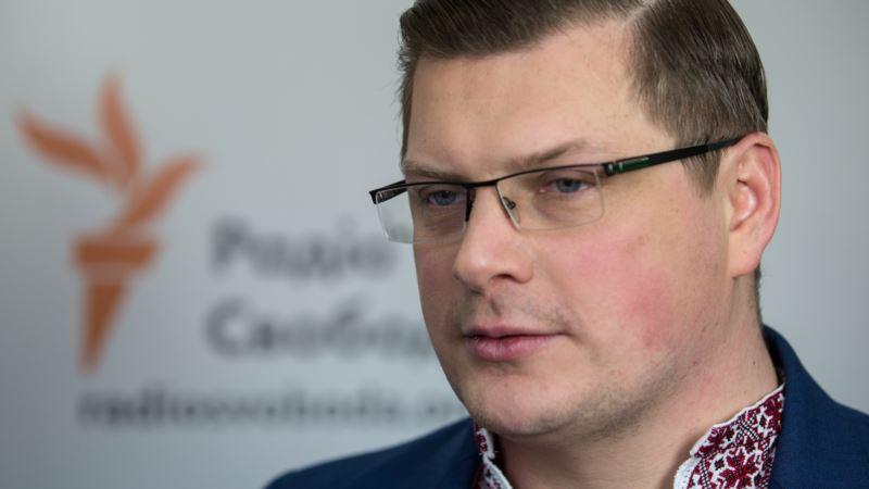 Восемь радиостанций с материковой Украины охватят сигналом админграницу с Крымом – Костинский