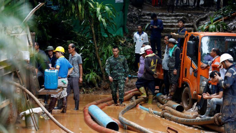 Таиланд: после недели поисков в пещерах 12 детей нашлись живыми (+видео)