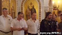 Севастополь: на крестный ход вышли 300 человек, среди них – главный байкер Кремля (+фото)