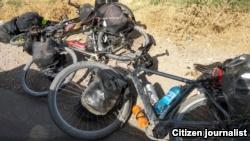 Велосипеды туристов, на которых был совершен наезд в Таджикистане