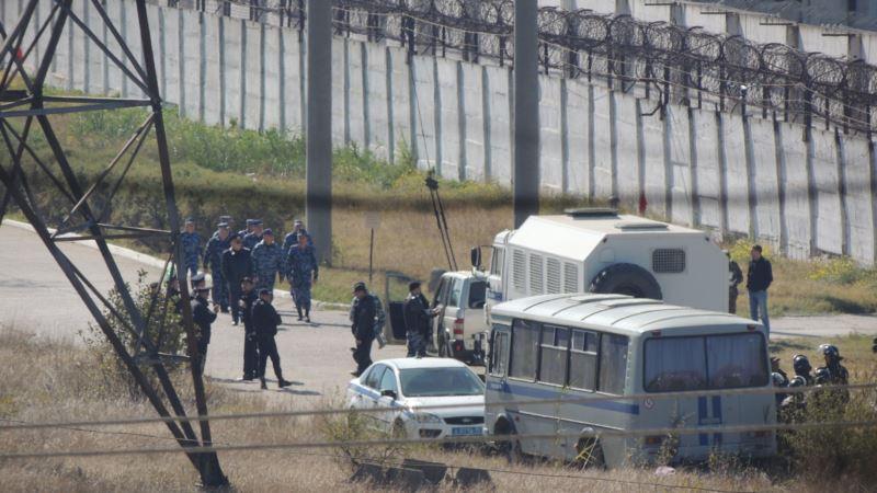 В колонии Керчи над заключенными издевались силовики из Омска – правозащитница