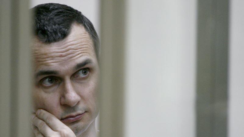 К акции в поддержку Сенцова присоединились украинские военные моряки
