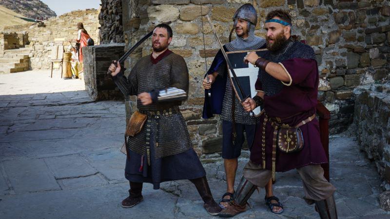 Средневековые пытки и рыцарские сражения: как прошел «Генуэзский шлем» (фотогалерея)
