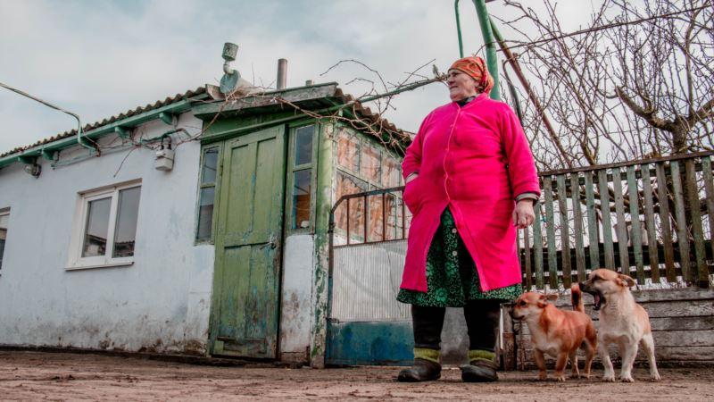 «Еле ходит, продала корову». Мать голодающего в Крыму Балуха не в силах содержать хозяйство – режиссер