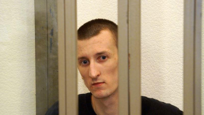 Политузник Кольченко в колонии встречается с матерью (+видео)