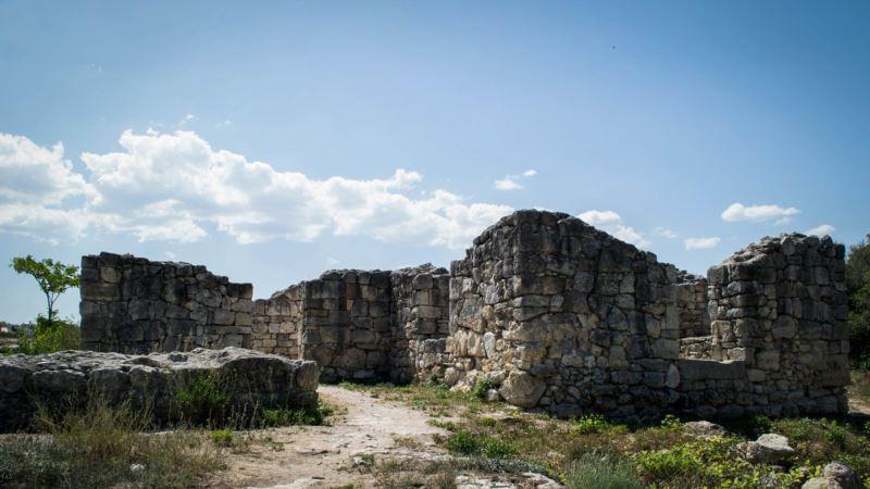 Город мертвых под Херсонесом (фотогалерея)
