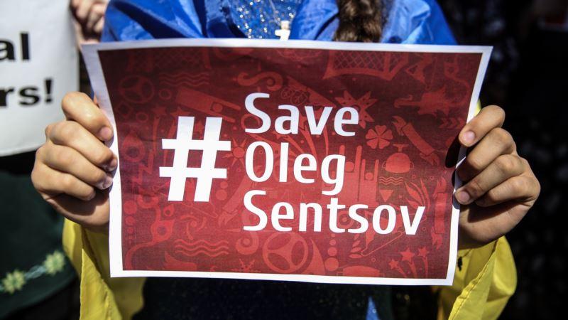 100 дней голодовки Сенцова: ЕС призвал Россию освободить  украинских политузников