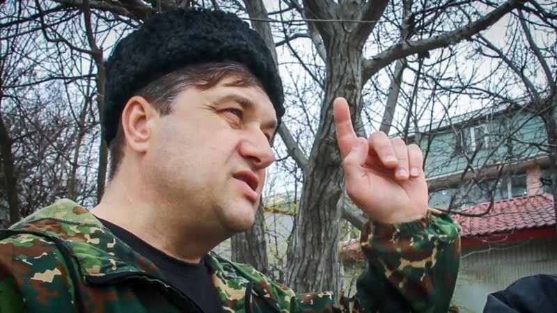 В Крыму прошел одиночный пикет в поддержку совершившего попытку самоподжога Карабаша (+видео)