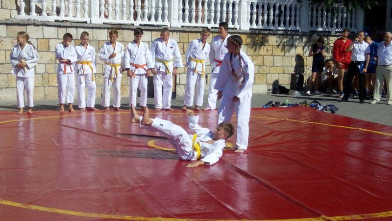 Уроки самообороны, самбо и дзюдо. В Севастополе отметили российский День физкультурника