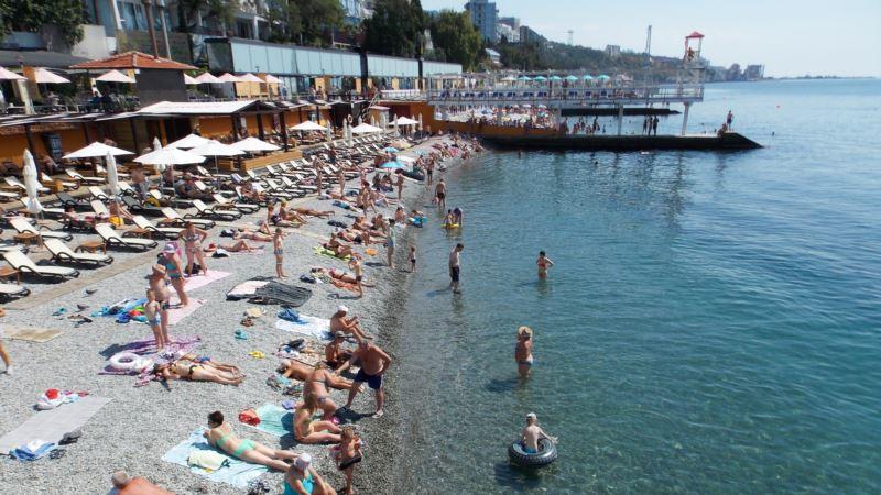 На 30 крымских пляжах запретили купаться из-за качества морской воды – Роспотребнадзор