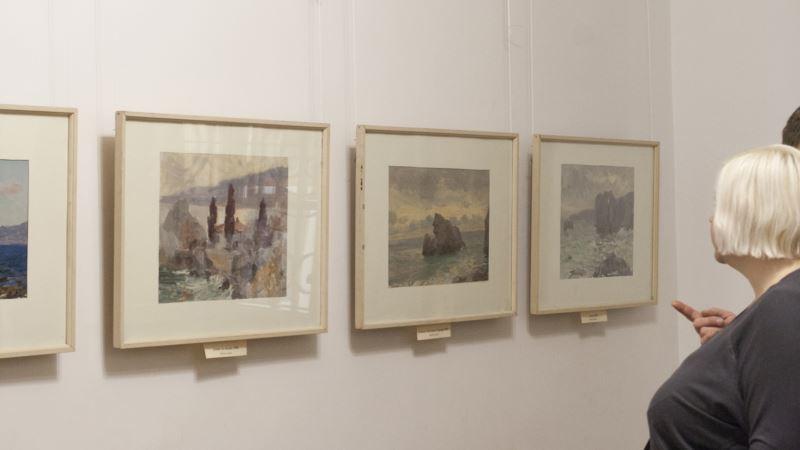 «В дождь не пускали в музей». Легкоступова критикует случай в галерее Айвазовского