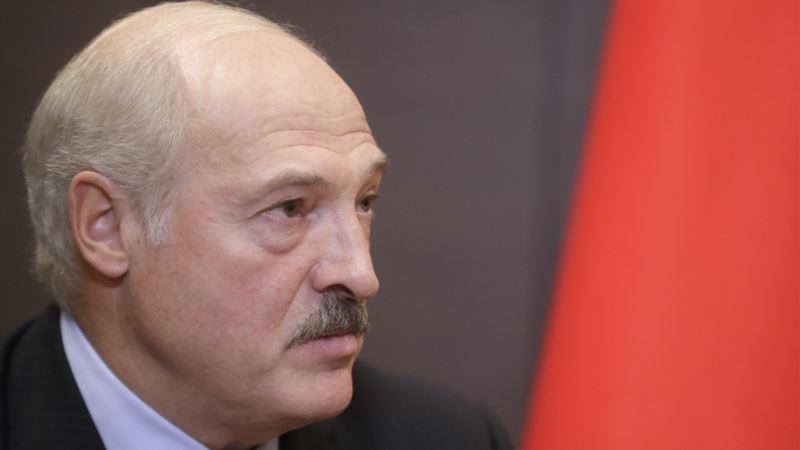 «Беларусь укрепит границу с Украиной из-за бандитов, которые везут оружие» – Лукашенко