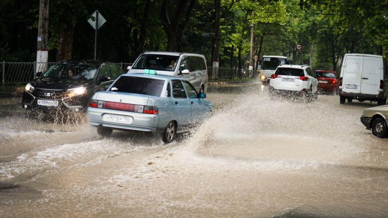 В ближайшие часы Симферополь накроет ливень и град – МЧС