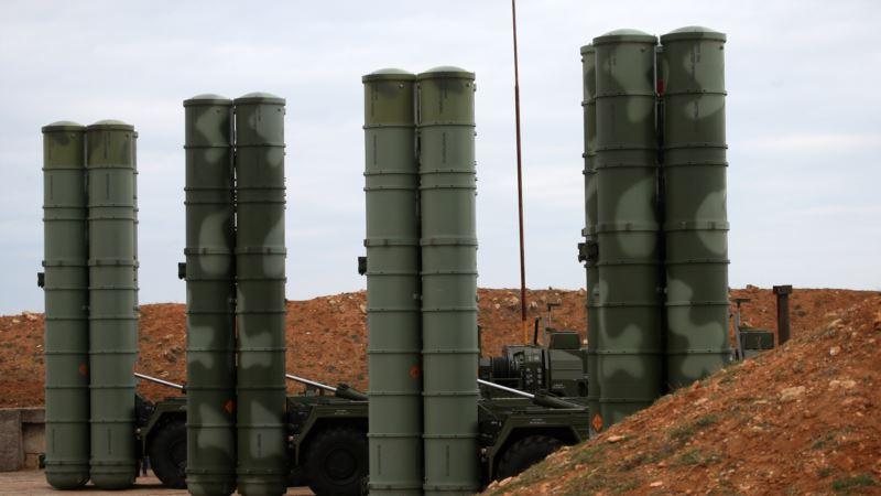 В Крыму российские военные оборудовали ложные позиции комплексов С-400