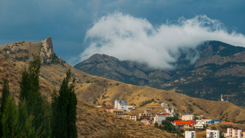 В горах Крыма спасли двух туристов – МЧС