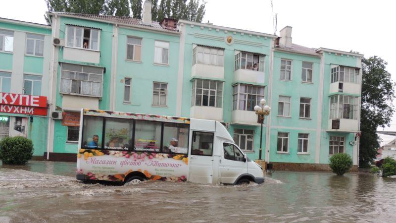Погода в Крыму: синоптики предупреждают о ливнях и грозах