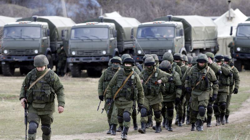 Российские военные доставили на крымские полигоны артиллерию и «Грады»
