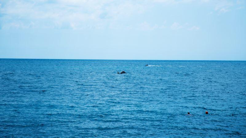 В Крыму за сутки на воде спасли 9 человек – МЧС