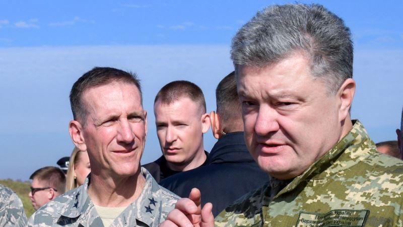 Порошенко на учениях: ВСУ отразит агрессию России на азовском побережье