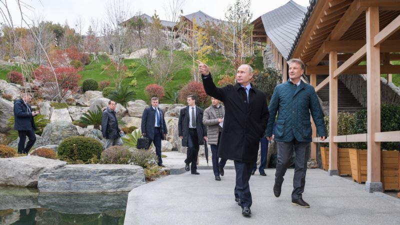 Путин в Крыму назвал «очень красивым» попавший под санкции отель «Мрия» (+фото)