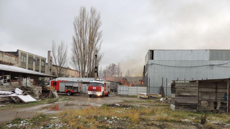 Керчь: крупный пожар на мебельном складе ликвидирован – МЧС