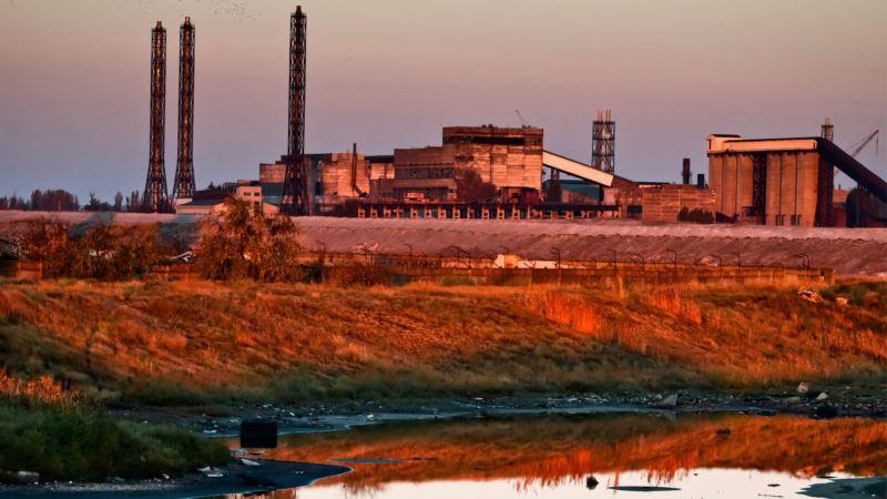 Российские санкции могут прикрывать поставку сырья на «Крымский титан» – Гданов