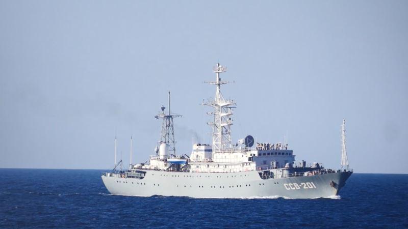 ФСБ России по Крыму заявляет об «опасных маневрах» украинских военных кораблей в Черном море – СМИ