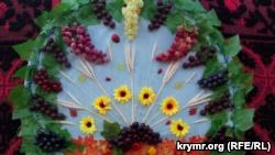 Гагаузы Севастополя отметили День молодого вина с мамалыгой и караваями (+фото)