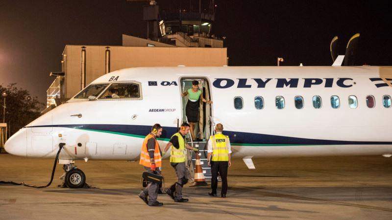 Пассажирский самолет из Греции впервые за 12 лет прибыл в Македонию