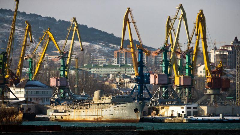 В октябре в порты Крыма зашли 20 судов-нарушителей – украинское министерство