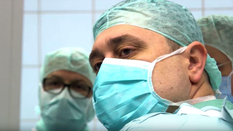 Впервые в мире женщина родила после пересадки матки от мертвого донора