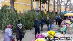 Елочные базары в Ялте