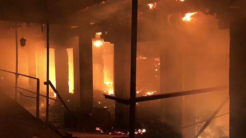 В Евпатории горела квартира в двухэтажном доме – МЧС по Крыму