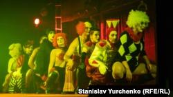 В Киеве состоялась премьера спектакля «Номера» по пьесе Олега Сенцова (+фото)