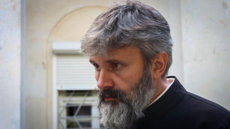 Архиепископ Климент и Порошенко обсудили ситуацию с крымской епархией УПЦ КП