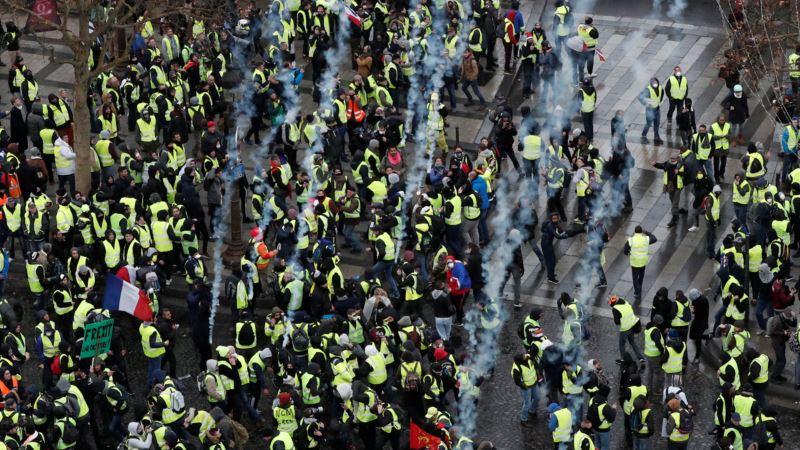 Протесты во Франции: 135 человек ранены, около тысячи задержанных (+видео)
