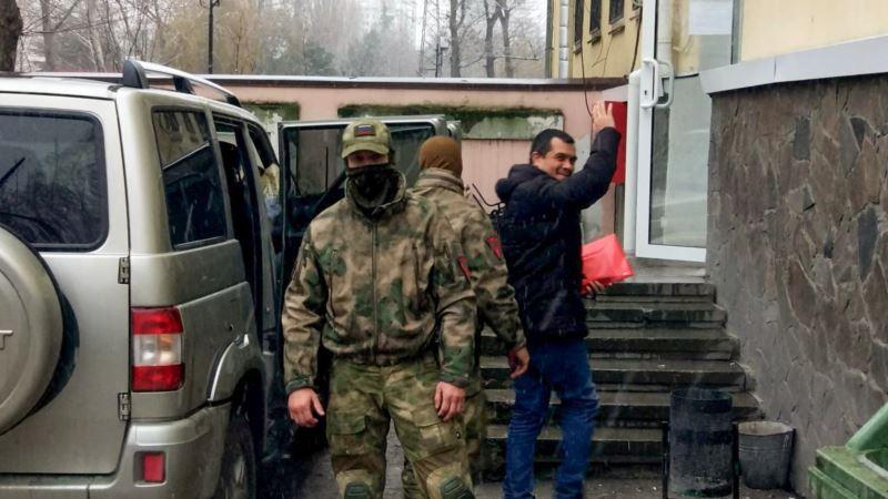 Стало известно об условиях содержания арестованного в Крыму адвоката Курбединова