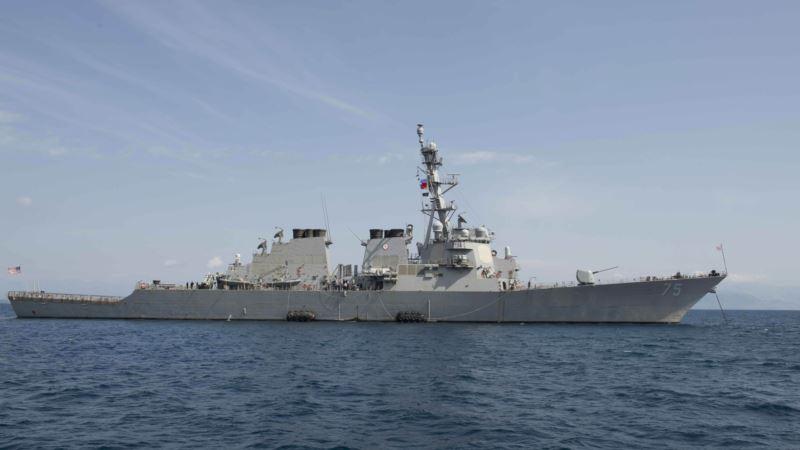 Эсминец США прошел вблизи российского побережья в Японском море