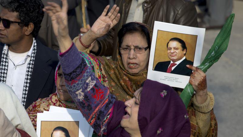 В Пакистане приговорен к заключению бывший премьер Наваз Шариф