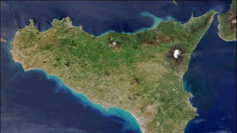 В Италии проснулся вулкан Этна, поэтому закрыли аэропорт – СМИ